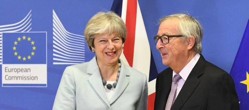 Theresa May et Jean-Claude Juncker