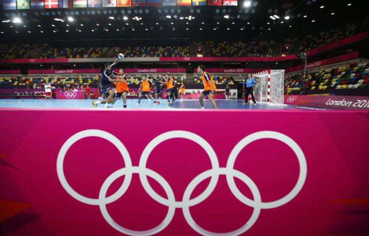 Un entraînement de hand, le 26 juillet 2012, à Londres. –  REUTERS/Marko Djurica
