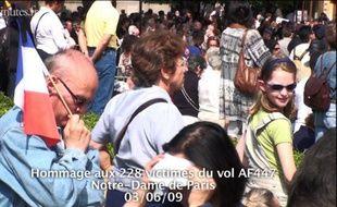 Hommage aux victimes du vol AF447 à l'église Notre-Dame le 3 Juin 2009.