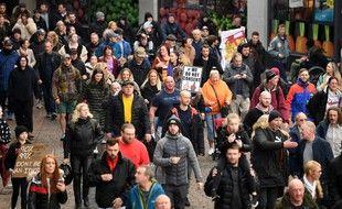 Une manifestation des anti-vaccins à Londres.