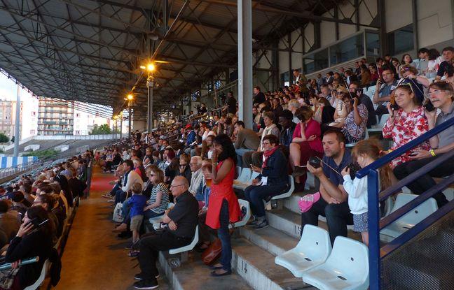 Le public pour voir le match rejoué