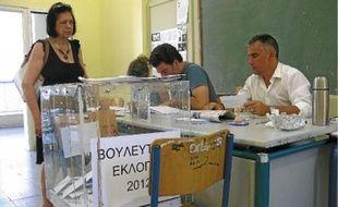 Pour Marilena Damaskinou (debout), «ce qui compte, c'est qu'on ait une majorité, et un gouvernement».