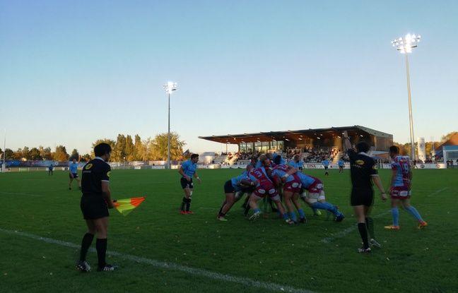 Ici à gauche, en bleu, les Alsaciens découvrent l'antichambre du rugby pro, dans le troisième échelon national.