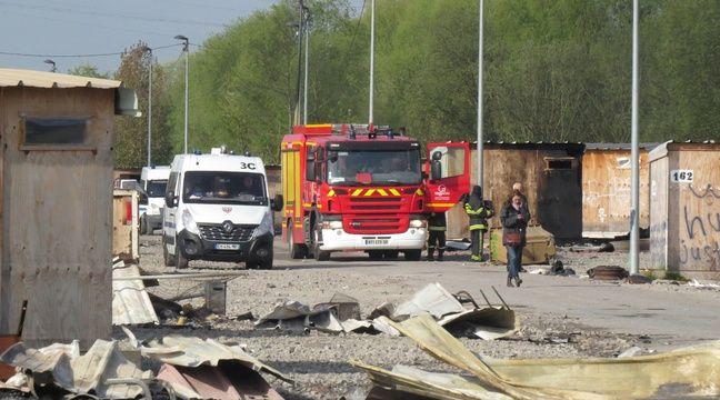Le camp de Grande-Synthe (Nord) après l'incendie de la nuit du 10 au 11 avril 2017 – O. Aballain / 20 Minutes