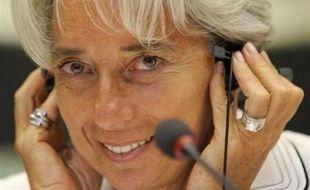 La ministre de l'Economie Christine Lagarde ne prévoit pas d'augmentation d'impôts pour 2009, a-t-elle déclaré mercredi sur RMC et BFM-TV.