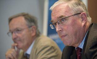 Pierre Bordry (à g.), président de l'AFLD, et Pat Mac Quaid (à d.), président de l'UCI, avaient conclu un accord pour le Tour 2009