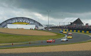 Comme beaucoup d'autres passages du circuit, le virage Dunlop est devenu iconique de la course.