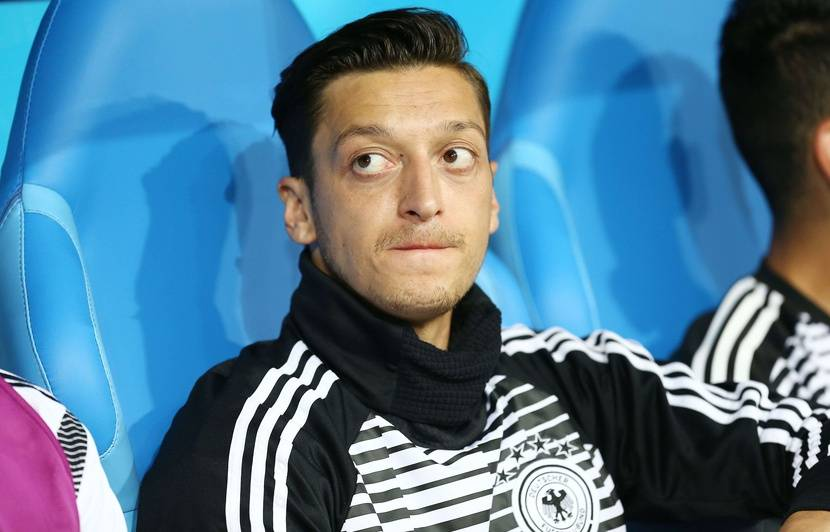 Allemagne: Bierhoff reconnaît «beaucoup d'erreurs» dans la gestion du cas Özil au Mondial