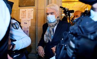 Bernard Tapie au Palais de justice de Paris, le 12 octobre 2020.