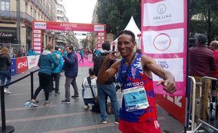 L'Ethiopien Tura Kumbi Bechere, vainqueur de la douzième édition du Marathon international de Toulouse Métropole, le 21 octobre 2018.