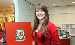 La chanteuse bretonne Élise Lalettra est prête à encourager le Pays de Galles.
