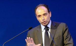 """Le secrétaire général de l'UMP, Jean-François Copé, estime qu'il faut, après le second tour de l'élection présidentielle, """"ouvrir une nouvelle page dans l'histoire de l'UMP"""", dans un entretien vendredi au quotidien gratuit Metro."""