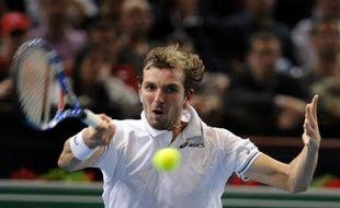 Le tennisman français Julien Benneteau, lors de sa victoire à Bercy face à Roger Federer le 11 novembre 2009.