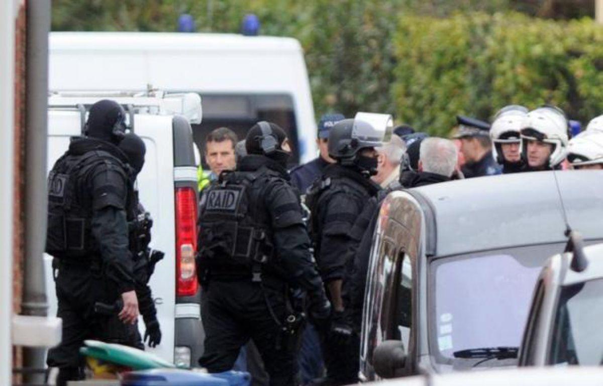 """Le ministre de l'Intérieur Manuel Valls a demandé une étude """"sur ce qui a dysfonctionné"""" dans l'affaire Mohamed Merah, auteur de sept assassinats avant d'être tué le 22 mars à Toulouse par le Raid. – Philippe Desmazes afp.com"""