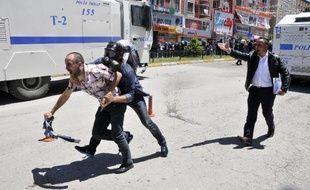 Des incidents ont éclaté entre les manifestants et la police, le 4 juin 2015 à Erzurum