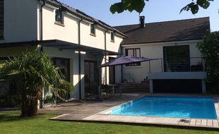 Une piscine louée par des particuliers en Essonne
