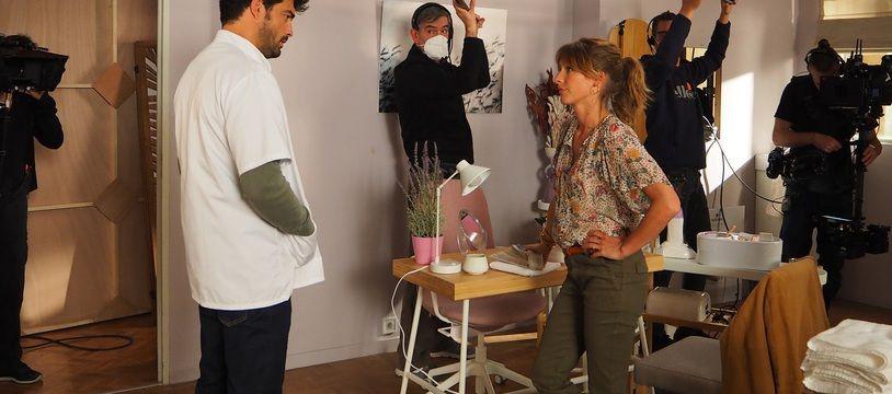 Simon Ehrlacher et Elodie Varlet partagent une scène (et leur cabinet) dans « Plus belle la vie »