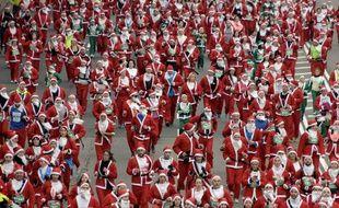 5173 Père Noël dans les rues de Madrid, le 13 décembre 2014.