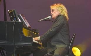 Le chanteur Christophe, au festival des Vieilles Charrues, le 19 juillet 2014.