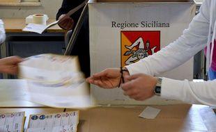 Dépouillement après les élections régionales en Sicile,  lundi 6 novembre.