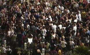Un concert de The Avener a rassemblé plusieurs milliers de personnes samedi soir à Nice.