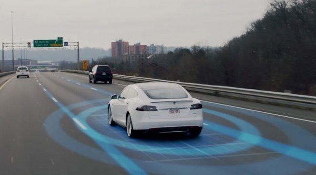 L'autopilot de Tesla trompé par des bouts de scotch sur un panneau routier