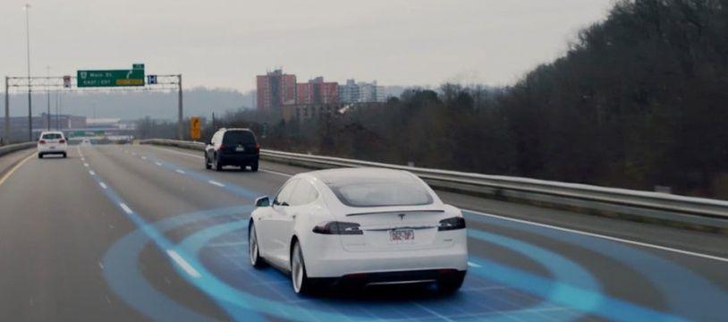 Illustration du système de pilotage automatique Autopilot des voitures Tesla.
