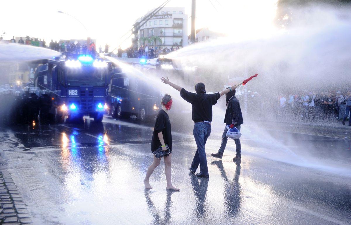 G20 de Toronto : la montagne a accouché d'une souris 1200x768_des-affrontements-entre-forces-de-l-ordre-et-militants-anti-g20-ont-eu-lieu-en-marge-du-somment-a