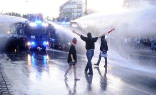 Des affrontements entre forces de l'ordre et militants anti-G20 ont eu lieu en marge du somment à Hambourg, le 6 juillet 2017.