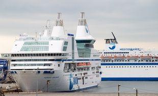 Marseille le 14 octobre 2013 - Des navires de la SNCM à  quai au port autonome
