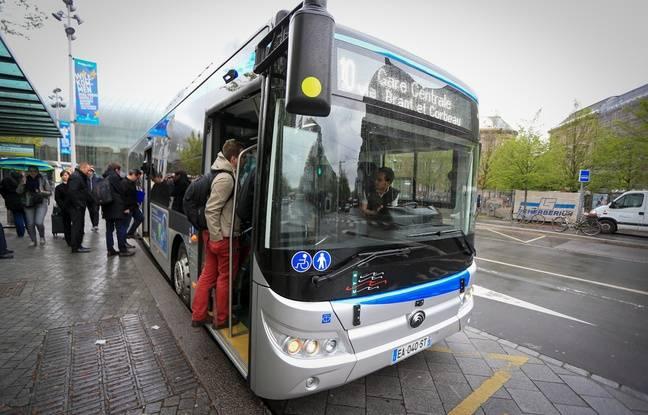 Bus 100 % électrique ligne 10. Strasbourg le 18 avril 2016.
