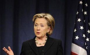 La secrétaire d'Etat américaine, Hillary Clinton, est arrivée dans la nuit de vendredi à samedi à Ankara pour relancer une relation stratégique altérée par des tensions avec l'administration Bush sur le problème kurde.