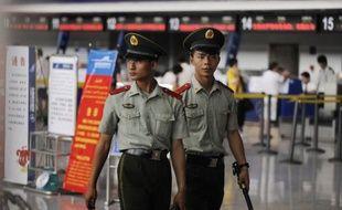 Un avion reliant deux villes du Xinjiang (nord-ouest) a fait l'objet d'une tentative de détournement vendredi de la part de six pirates appartenant à la minorité ouïghoure, a annoncé un porte-parole du gouvernement régional.