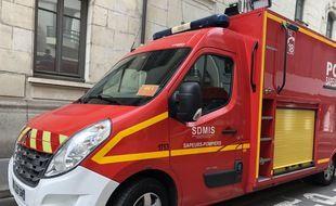 Illustration d'un véhicule d'intervention des pompiers.