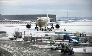 L'aéroport de Roissy fortement perturbé par la neige le 19 décembre 2010.
