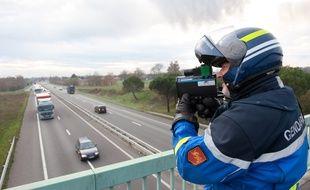 Contrôle de Gendarmerie sur la RN10 à hauteur de Marsas, en Gironde, le 12 decembre 2012.