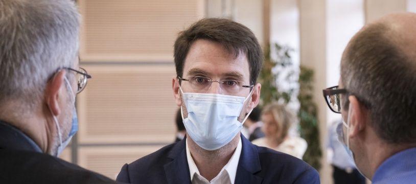 Nicolas Mayer Rossignol, nouveau Maire de Rouen arrive a la prefecture de Normandie pour  le Comite de transparence et de dialogue sur l'incendie de l'usine Lubrizol de Rouen. Rouen, Normandie, France le 10 Juillet 2020.