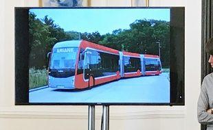 Faute de tram, c'est un bus aux allures de tram qui ira jusqu'au quartier de l'Ariane, à Nice.