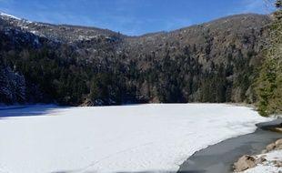 Un lac gelé