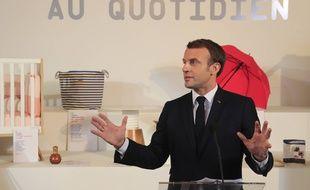 Emmanuel Macron inaugure une exposition de produits fabriqués en France, le 17 janvier 2020 au Palais de l'Elysée