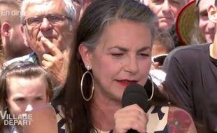 La chanteuse Lio dans l'émission Village Départs.