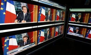 """Les quotidiens sont très souvent dubitatifs lundi, au lendemain de la prestation télévisée de Nicolas Sarkozy, aussi bien sur les annonces du """"toujours président"""" que sur la stratégie du """"pas encore candidat"""" à moins de trois mois de l'élection présidentielle."""