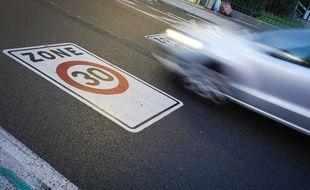 Illustration vitesse en voiture
