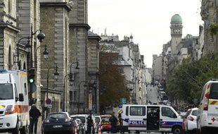 L'homme qui a agressé à l'arme blanche plusieurs policiers à la préfecture de police de Paris, le 3 octobre 2019, est un agent de la préfecture.