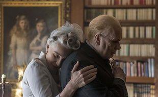 Kristin Scott Thomas et Gary Oldman dans Les heures sombres de Joe Wright