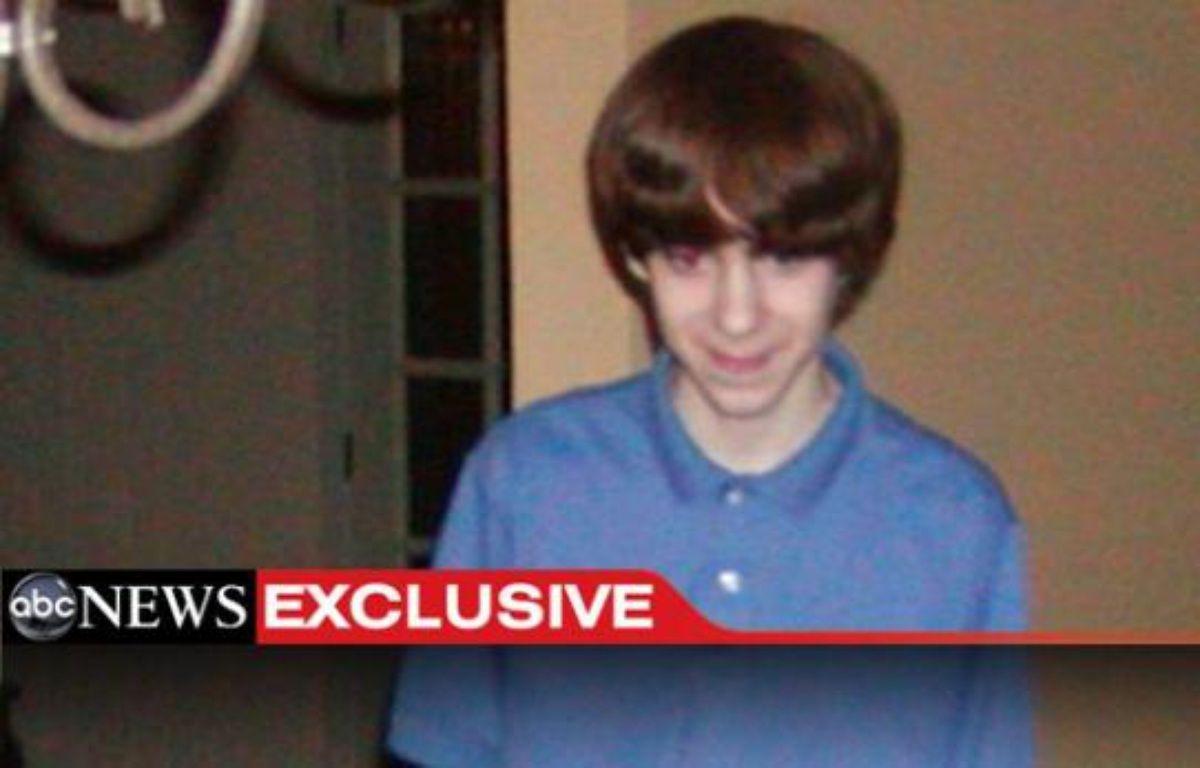 Il s'agit de la première photo du tueur de Newtown, Adam Lanza, publiée par ABC News. Le tueur avait 20 ans mais le cliché date de 2005 (il avait donc 13 ans ici). – ABC NEWS