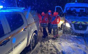 La Croix-Rouge a dû intervenir durant la nuit de mardi à mercredi, sur l'A40 à la hauteur de Bellegarde-sur-Valserine (Ain). Handout / HAUTE SAVOIE PREFECTURE