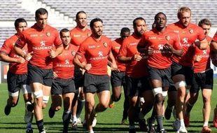 Le Stade Toulousain, tenant du titre et club le plus primé du rugby français, et le RC Toulon, porté au sommet par son président Mourad Boudjellal 20 ans après sa dernière finale, s'affrontent pour un dénouement passionné et indécis du Top 14, samedi (18h00) au Stade de France
