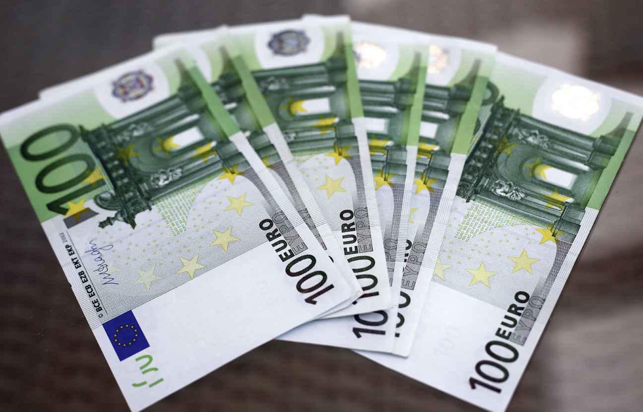hauts de france attention m fiez vous des billets de 100 euros. Black Bedroom Furniture Sets. Home Design Ideas