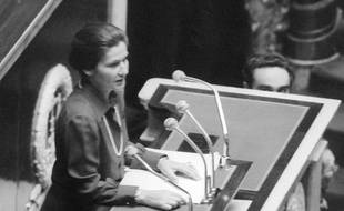 Simone Veil, alors ministre de la Santé prononce un discours à l'Assemblée nationale le 26 novembre 1974 où elle défend le droit à l'IVG.